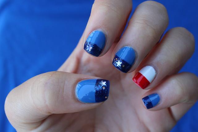 Patriotic Nails on #LivingAfterMidnite #PatrioticNails #4thofJulyNails