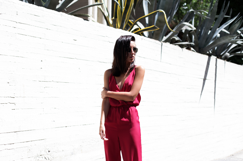 jumpsuit-gup-at-the-back-burgundy-001