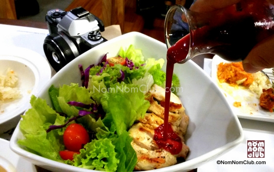 Kyochon Salad with Blueberry Sauce