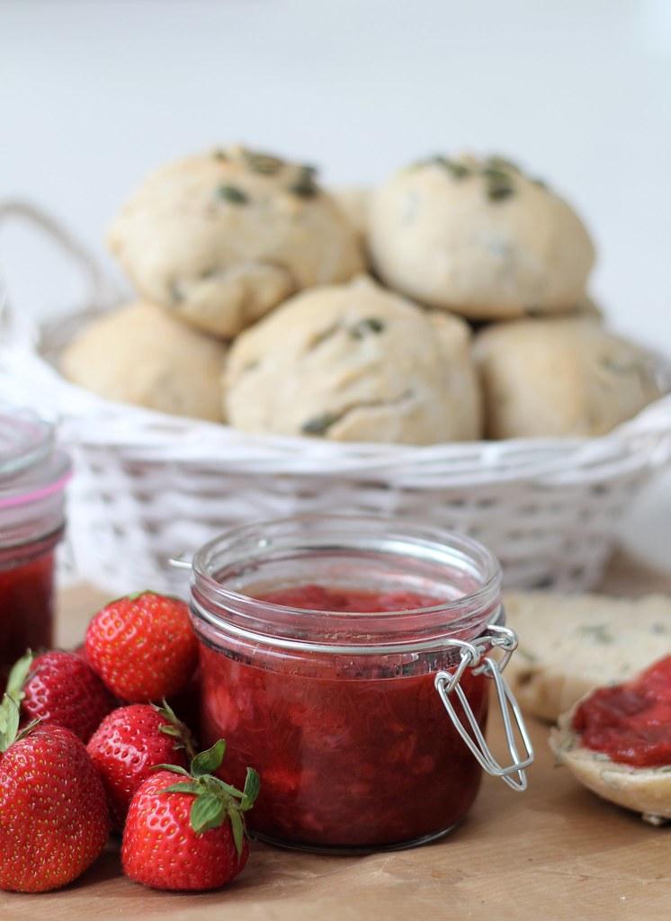 Jordbær-rabarber syltetøj (10)
