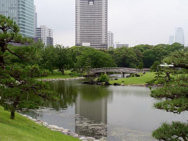 Hama-Rikyu Garden Bridge
