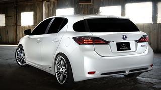 Lexus-CT-200h-rear-w