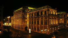 beautiful vienna state opera night picture