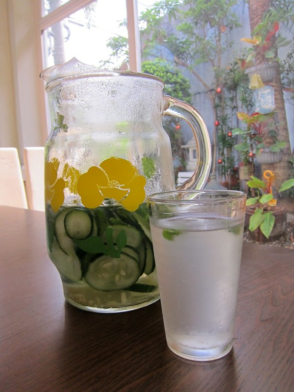 FLAT TUMMY WATER MORNING
