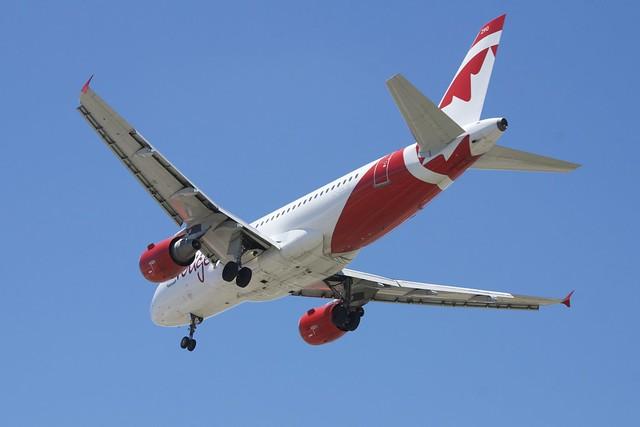 Airbus A-319 rouge (Air Canada LLC)  acr_DSC_0973_319