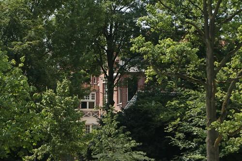 Vondelpark: palazzi e vegetazione