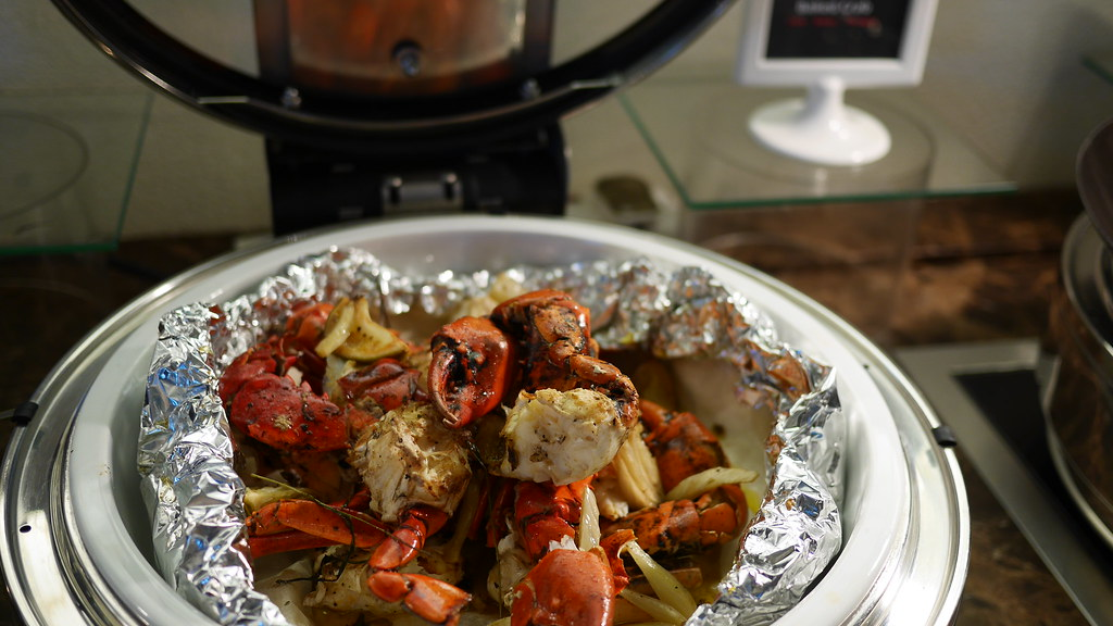 Baked crab with lime butter and tarragon