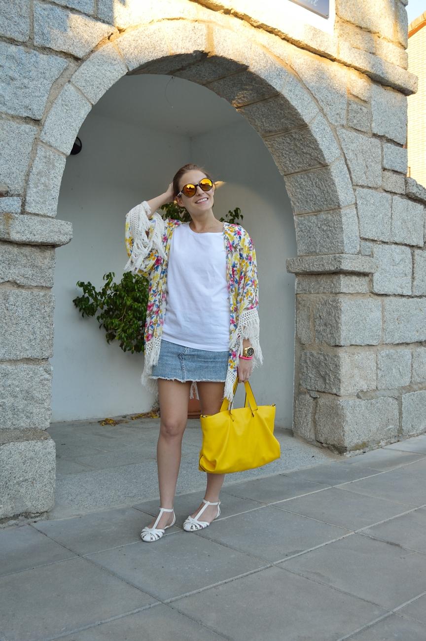 lara-vazquez-madlula-blog-style-fashion-yellow-white-denim-look