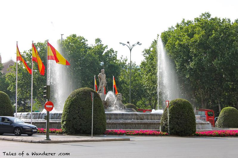 MADRID - Plaza de Cánovas del Castillo - Fuente de Neptuno