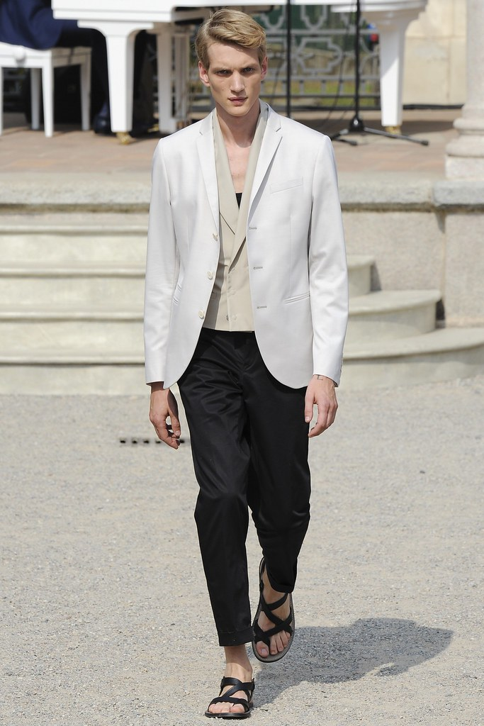 Paul Boche3600_SS15 Milan Corneliani(VOGUE)