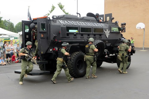 Tac ert etf swat bomb squad flickr photo sharing for Department of motor vehicles joliet illinois
