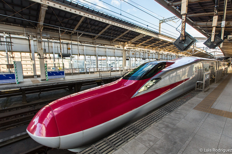 E6-Shinkansen-4