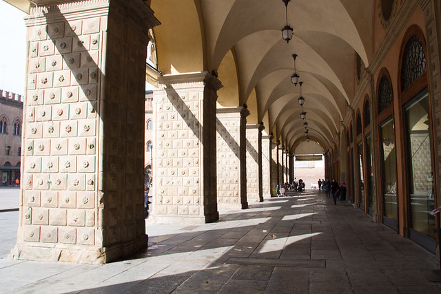 typical covered walkway in Bologna