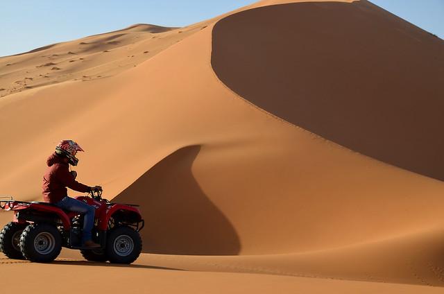 Quad en las dunas del Sahara