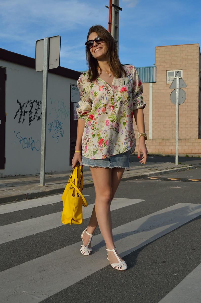 lara-vazquez-madlulablog-trends-fashion-look-yellow-flowers