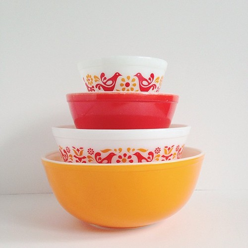 Friendship Pyrex Bowl Set