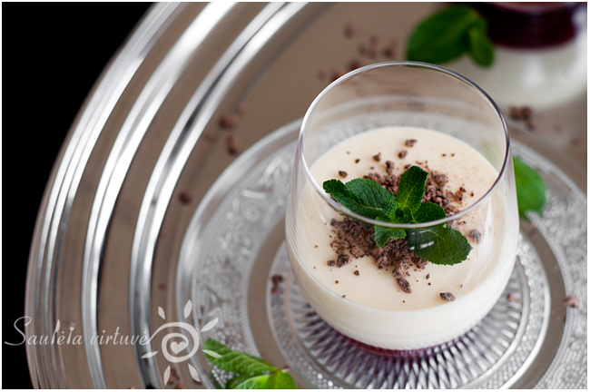 Baltojo šokolado putėsiai su braškių džemu (6)