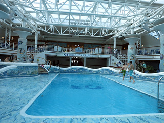 gold069indoorpool