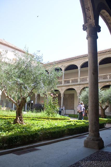 museo santa cruz courtyard