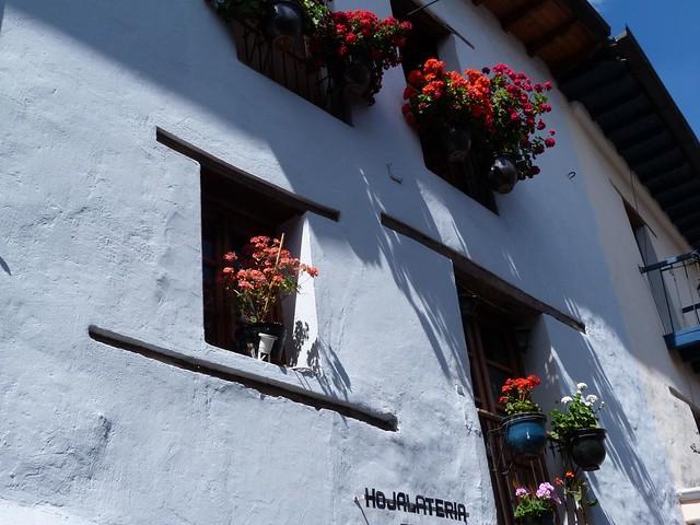 Hojalatería en la Calle de la Ronda (Quito, Ecuador)