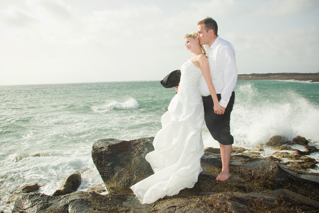 Trash the dress photography in Lanzarote