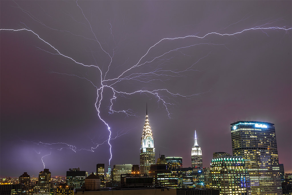 Lightning Strikes World Trade Center 7/2/2014  # 3 of 17
