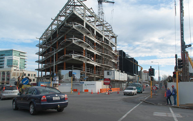 Busy corner new building awly investments complex for 151 cambridge terrace christchurch