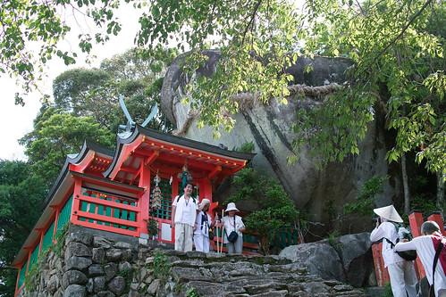 神倉神社ゴトビキ岩