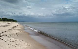 Image of Haväng. beach nature strand rural landscape skåne cloudy sweden balticsea sverige seashore österlen kust carlzeiss zm sandstrand kivik vitemölla hanöbukten csonnart1550 zeiss50mmf15csonnarzm östersjän