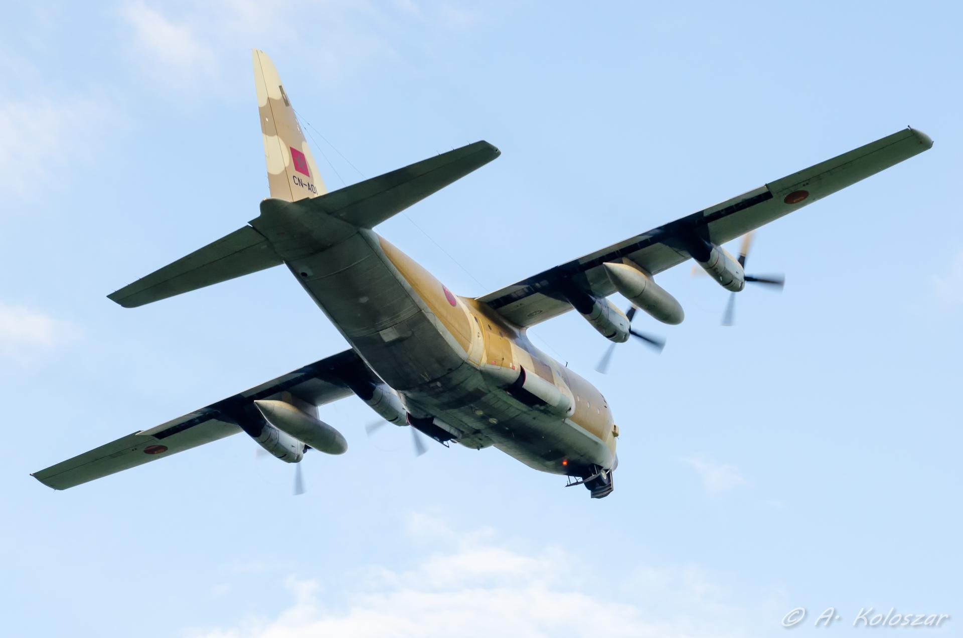 طائرات النقل العاملة بالقوات المسلحة المغربية 14510047898_6a2ed60b2e_o