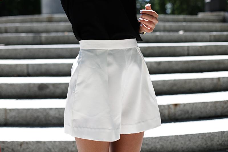 white-shorts-007