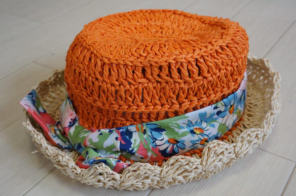 ペーパー素材の帽子