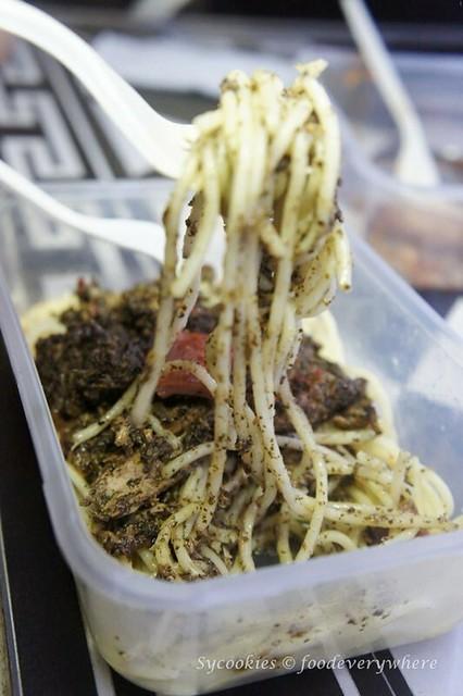 7.la famiglia pasta truck -Lucchese Tuna Pesto (4)