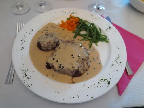 Filet de cheval avec sauce au poivre vert im Restaurant de L'Esplanade in Diekirch