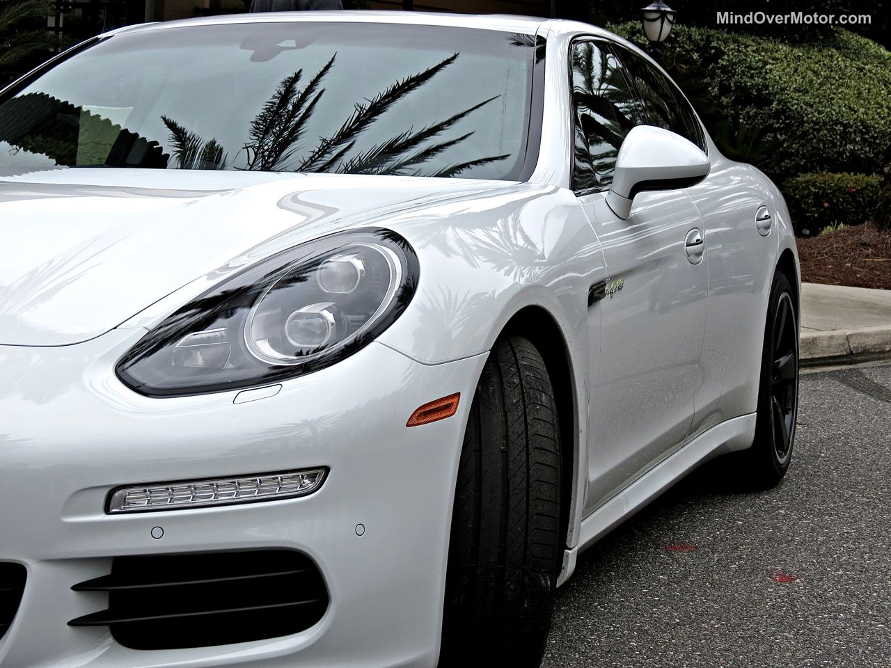 Porsche Panamera S E-Hybrid LED Head Lights
