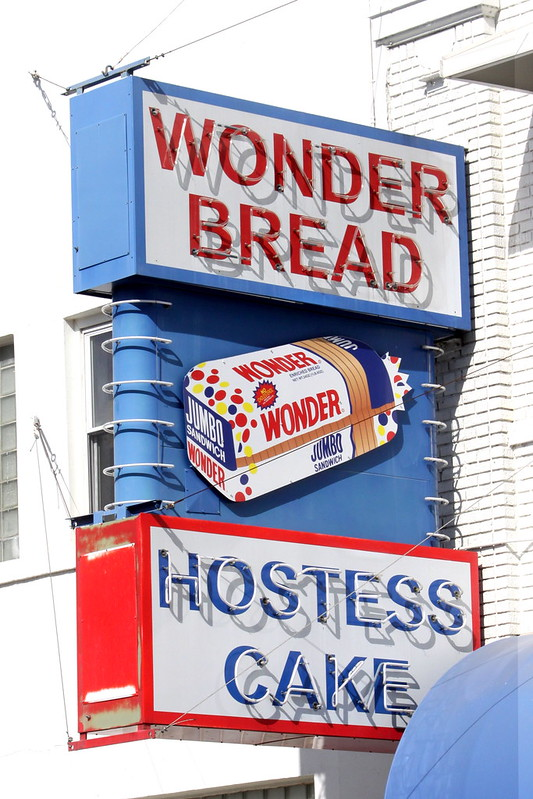 Wonder Bread / Hostess Cake noen sign - Memphis