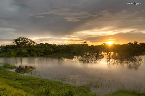 Pôr-do-sol nas proximidades da quarta ponte de Rio Branco - Rio Branco, Acre, Brasil (Sunset near the fourth bridge of Rio Branco - Rio Branco, Acre, Brazil)