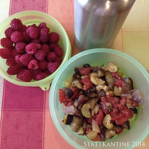 StattKantine 06.08.14 - Backofengemüse, Beeren, Apfelsaftschorle