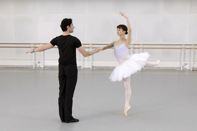Principal of The Royal Ballet Akane Takada rehearses the 'Rose Adage' with First Soloist Valeri Hristov (Screenshot from Facebook film)