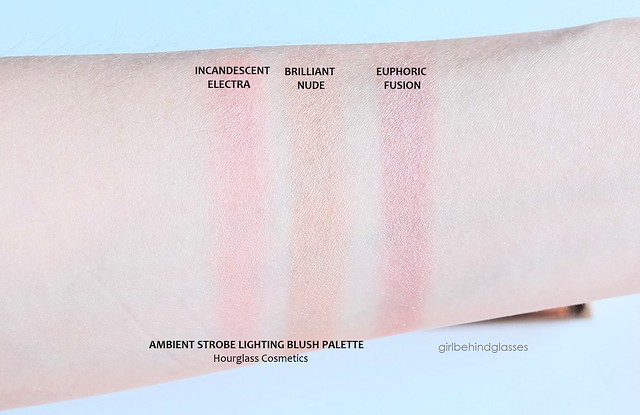 Hourglass Ambient Strobe Lighting Blush Palette swatches