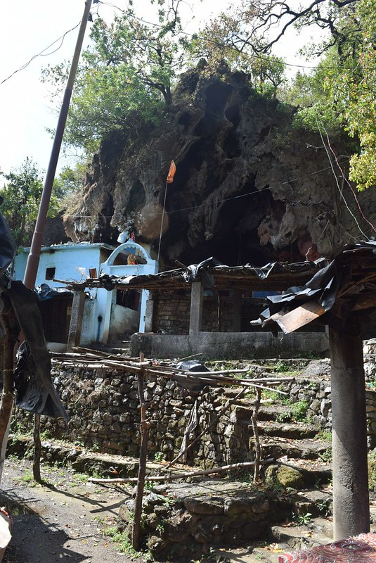 シヴァ神の洞窟寺院