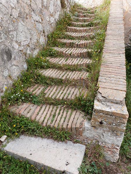 escalier défoncé