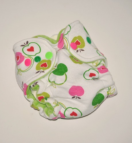 Bumstoppers Newborn Hybrid Fitted  Apples