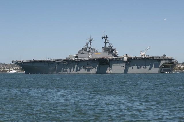 USS Essex (LHD 2) Underway