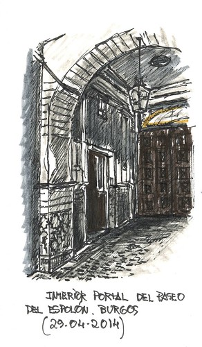 Interior del portal en el Paseo del Espolón en Burgos