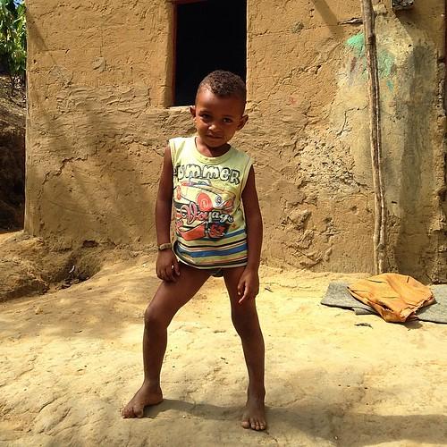 Figura este #filho da dona Edna #descendente #indígena aqui na #bahia #garoto esperto :) #una #sertão #intrabartolo #criança #fotograforibeiraopreto
