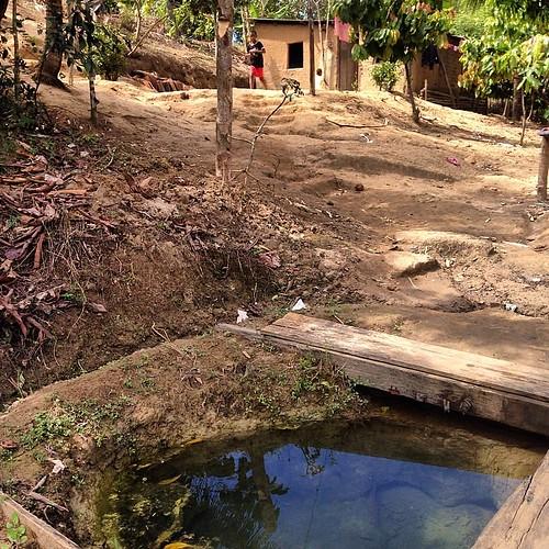 #cacimba de onde a #família de dona Edna bebe a #água que precisa em #una #bahia #pobreza #fotograforibeiraopreto #intrabartolo