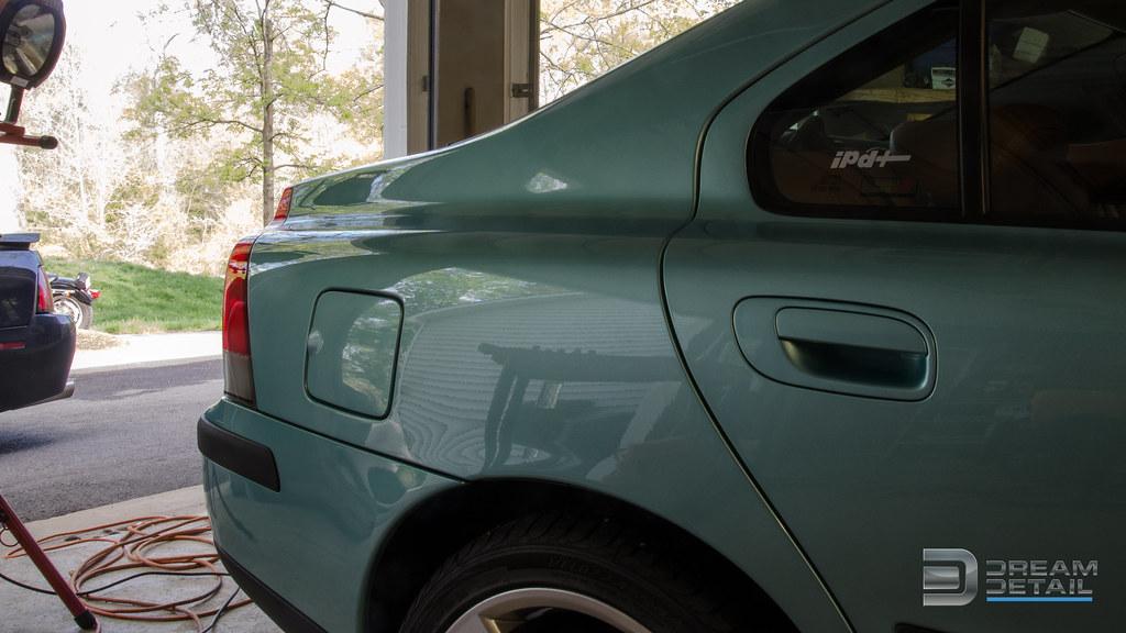 Volvo Flash Green Paint