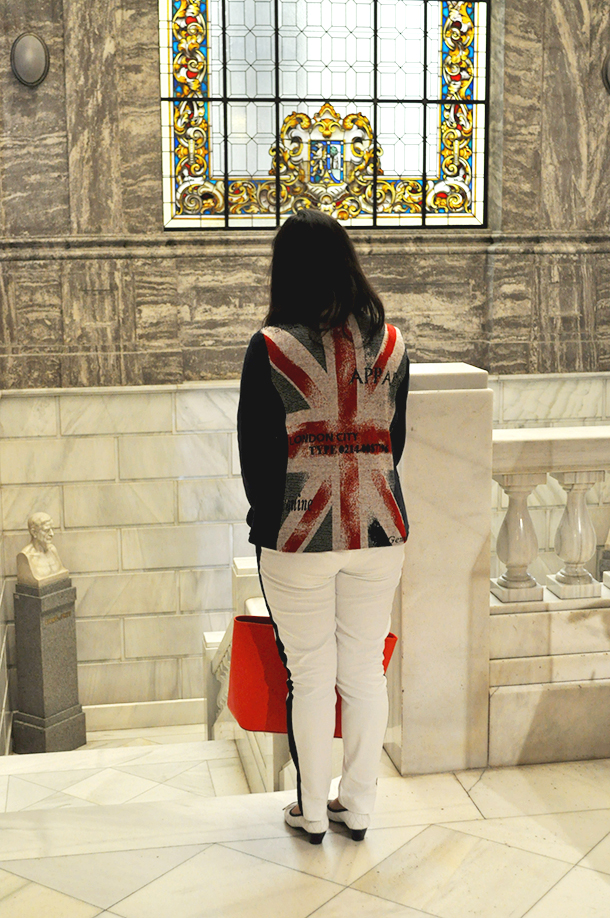 something fashion geomining museum madrid, el tiempo entre costuras museo geominero, vilagallo blazer UK flag michael kors jet set bag red spain fashion blogger travelling