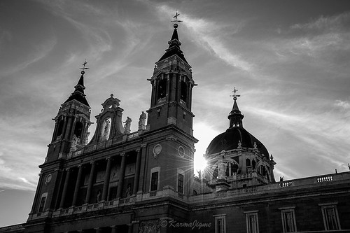 Photo:Cathédrale de la Almudena By:karmajigme
